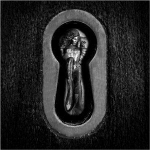 Roger - The keyhole